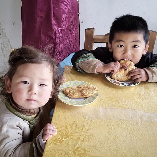 Çocuklarıma Moğol Yemeği Huşur'u Kendi Ellerimle Yaptım.