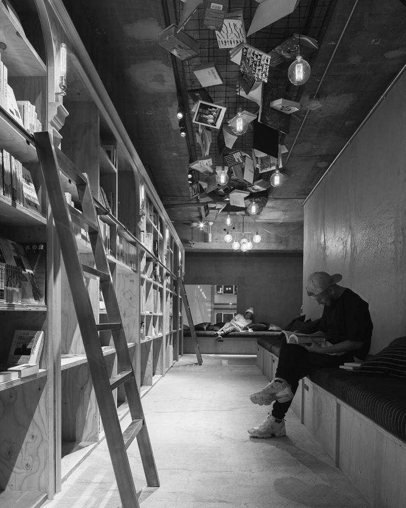 1700 ile başlasa da tüm sürecin sonunda kitaplıklarda toplam 3000 kitap olacak.