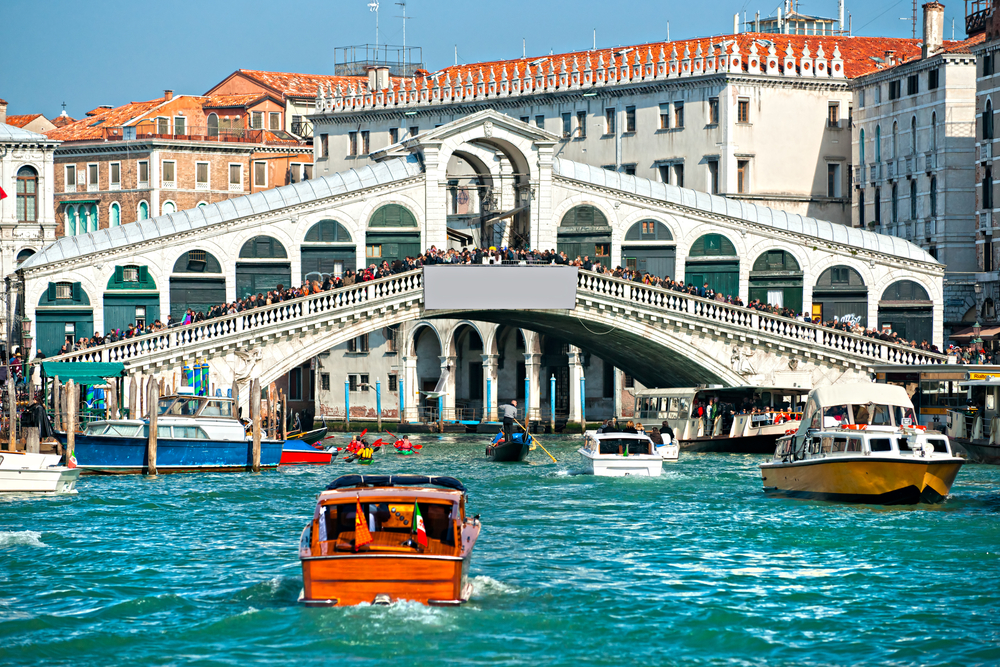 Venedik Rialto Köprüsü