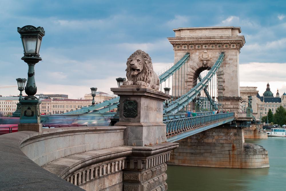 budapeşte zincirli köprü ile ilgili görsel sonucu