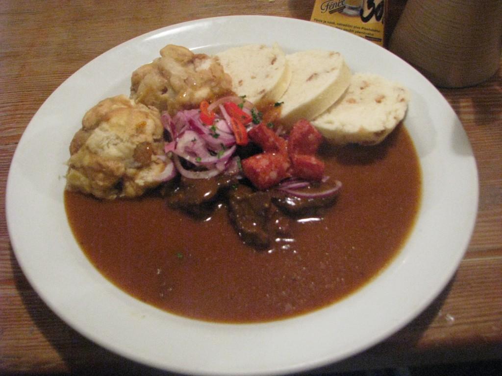Ünlü Çek yemeği 'Goulash'