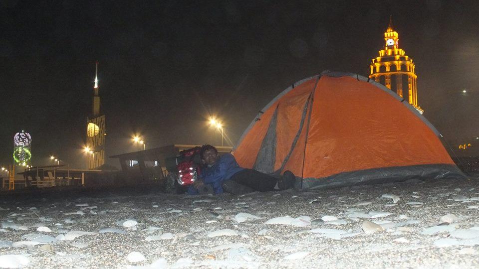Seyahatlerimde Ekonomik Olsun Diye Sürekli Kamp  Çadırımda Konaklıyorum; Sizin Tercihiniz Hangisi Peki Arkadaşlar!