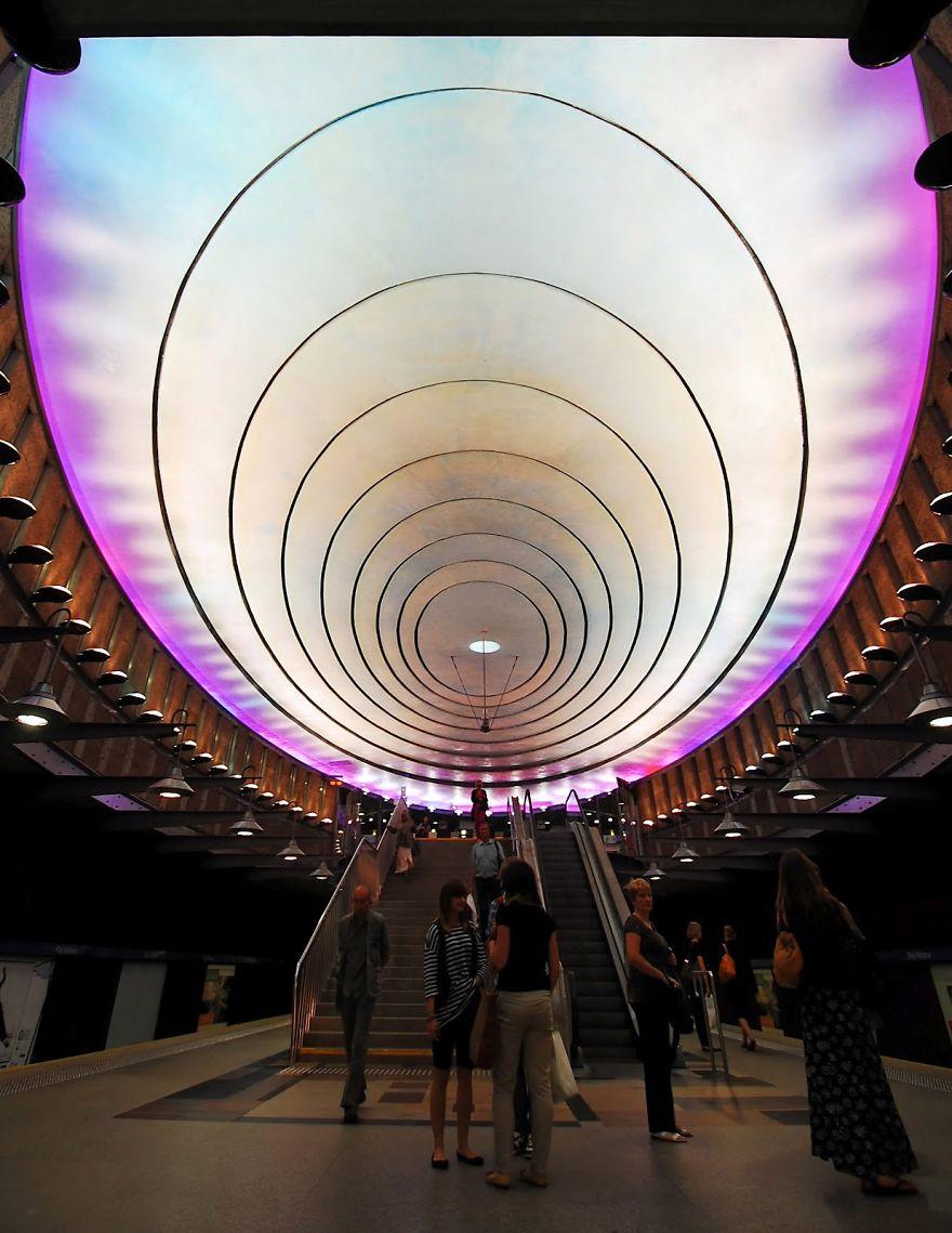 warsaw-metro-station-plac-wilsona51__880