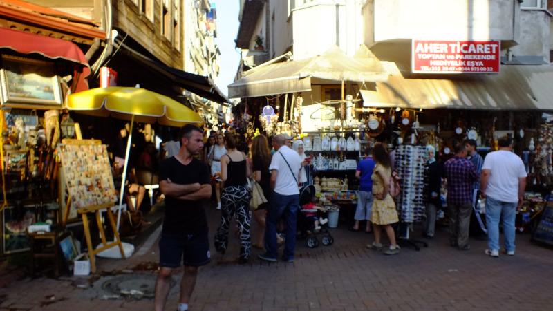 Amasra'da Dar Sokak İçerisinde Bulunan Çekiciler Caddesinde Her Türlü El Yapımı Göz Nuru Ürünleri Bulmanız Mümkündür !