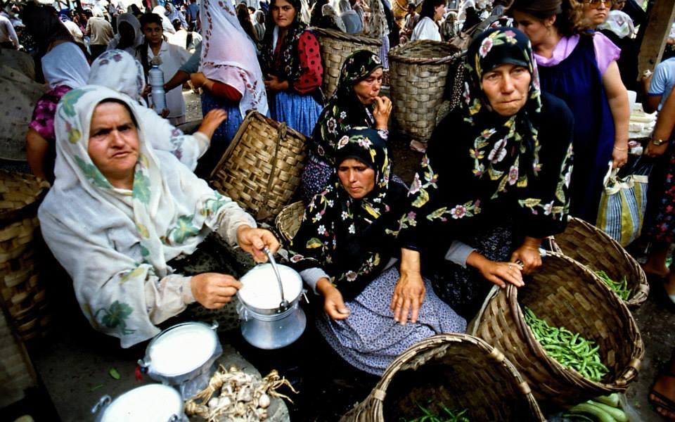 Amasra'da Her Salı ve Cuma Günü Kurulan Yöre Ürünlerinin Satıldığı Galla Pazarı!