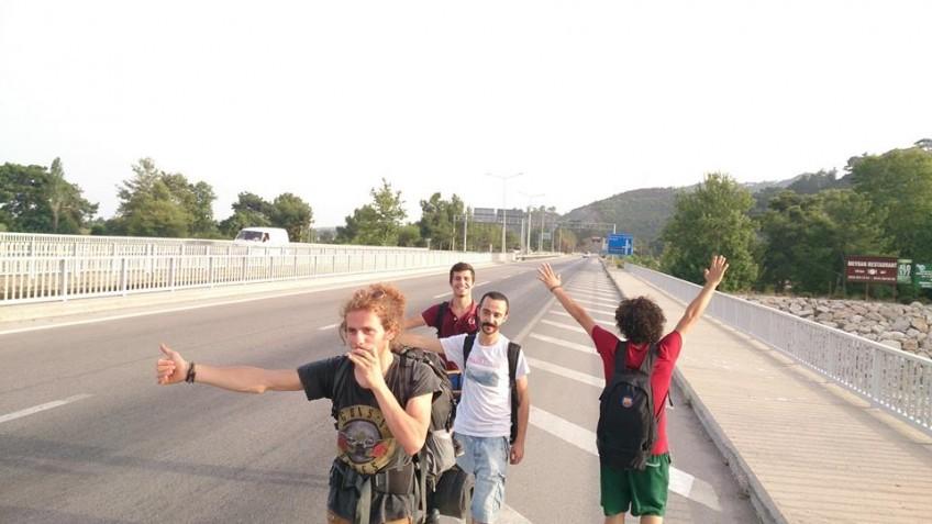 Ülkemizde Özellikle Genç Üniversite Okuyan Kesimler Bu Bedava Seyahat Şekline Oldukça Müptela Diyebilirim !