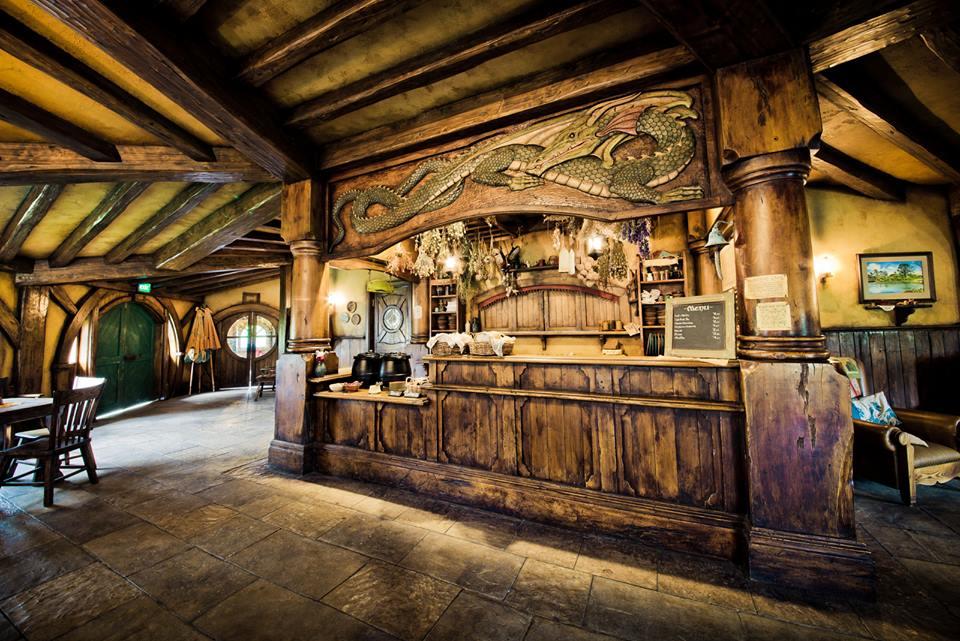 the hobbit restaurant - 900×600