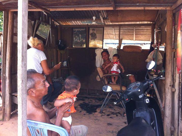Kamboçya'da Erkek Berberi