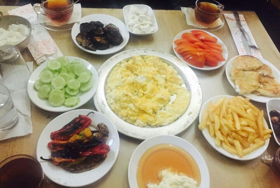 Urfa'da Kahvaltı