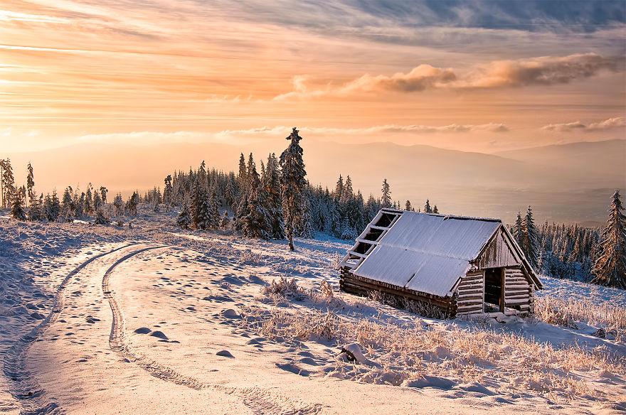 Prisca Peak ve Yalnız Bir Ev