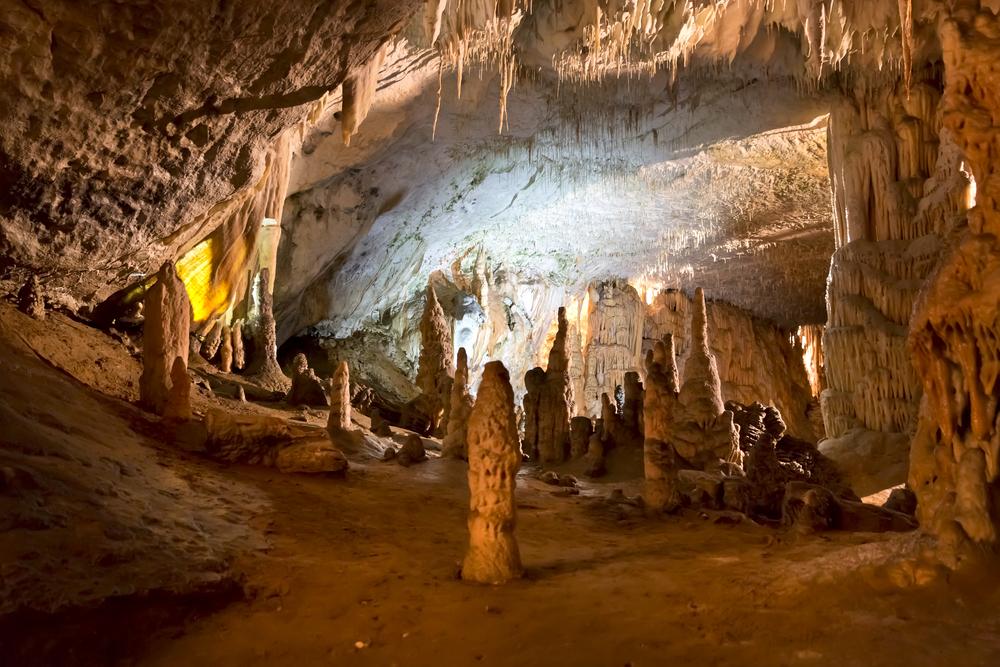 Slovenya'da Mağaralar
