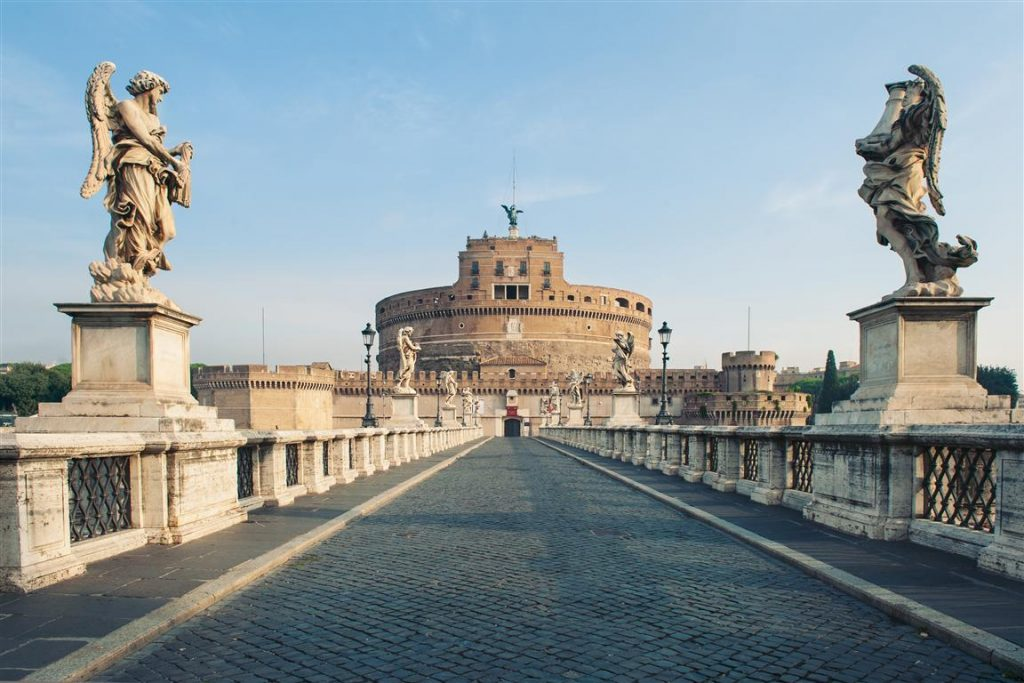 castel-santangelo-fortress-and-bridge-view-in-rome-italy