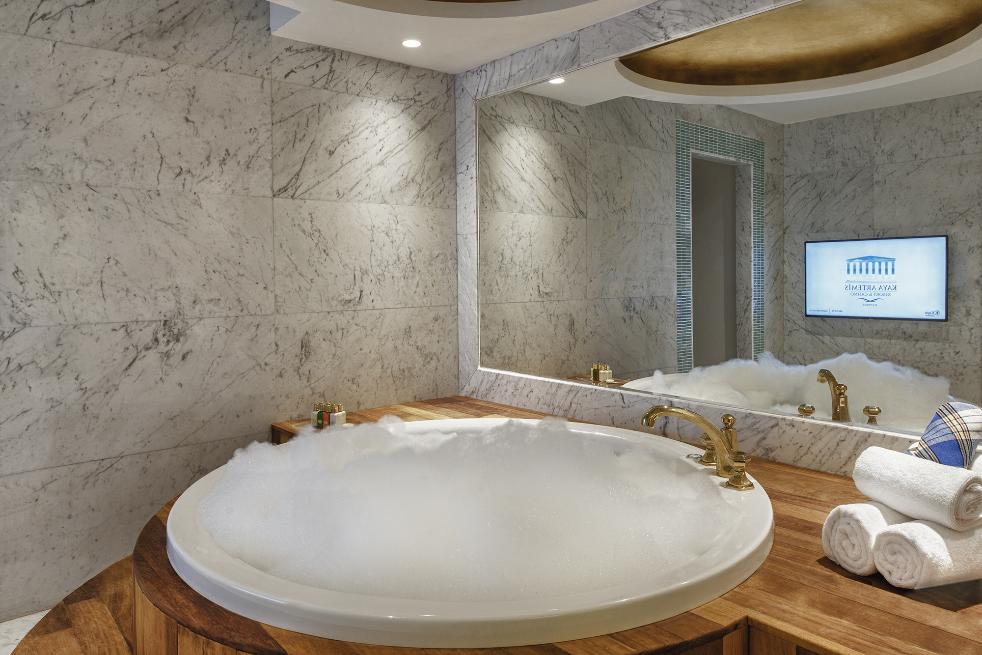 Kaya Artemis Resort Jacuzzi